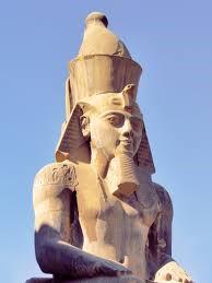 farao-paroka-kopaszodas