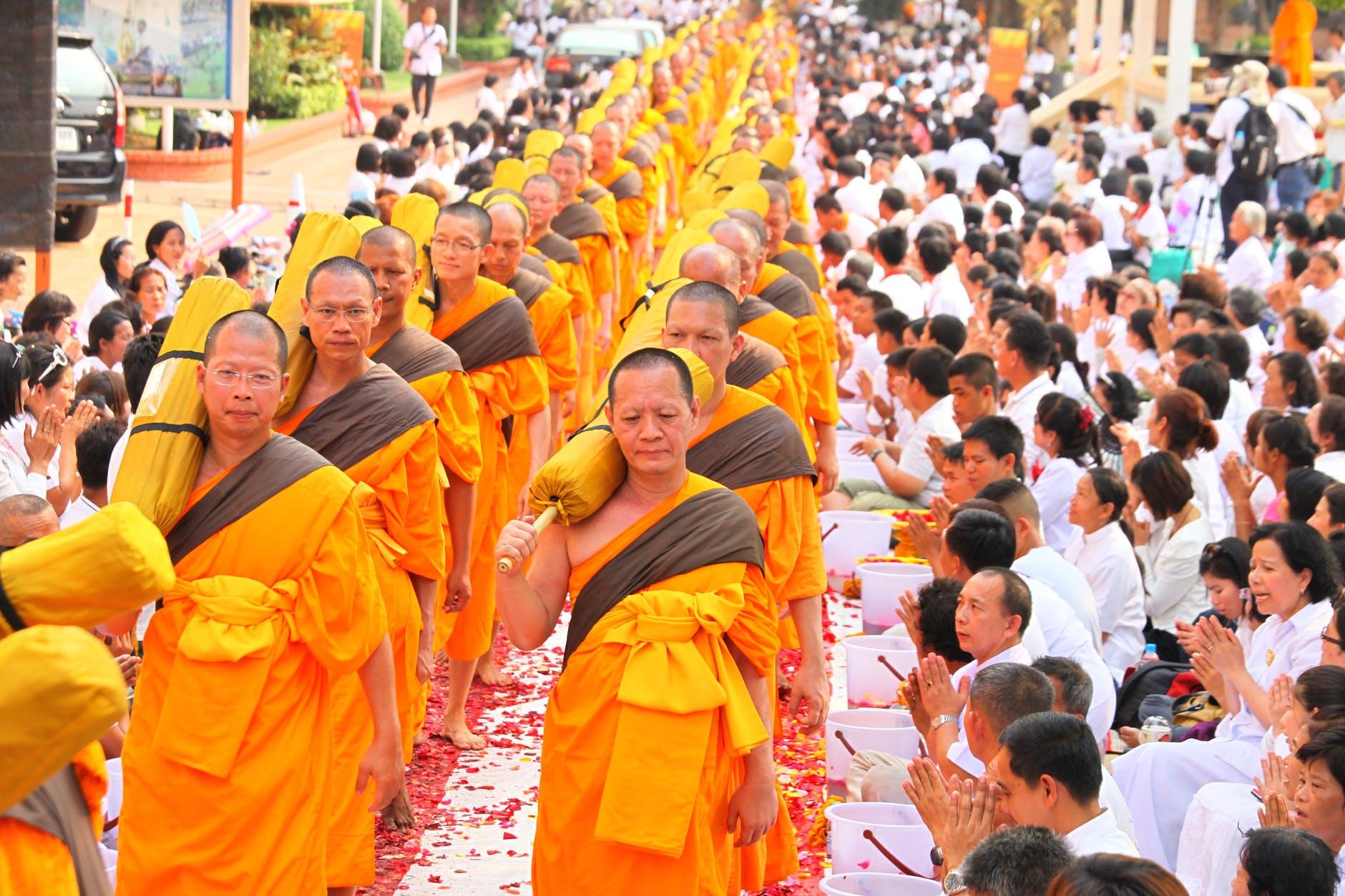 buddhizmus-borotvalt-fej